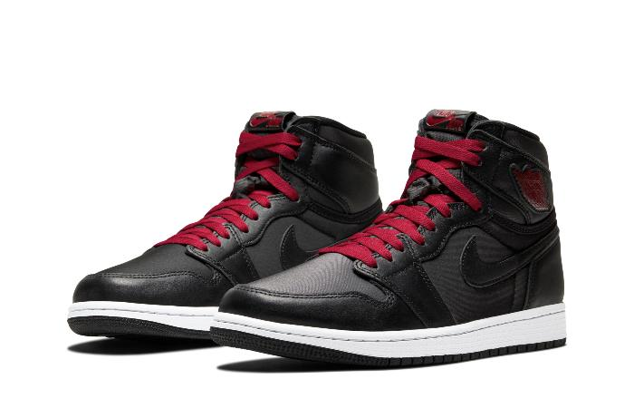 Air Jordan Retro 1 High OG - 555088-060