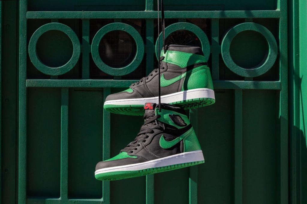 Nike-_Air_Jordan_1_Retro_High_OG-_555088-030-_Black-Pine_Green-White-Gym_Red_1_of_6